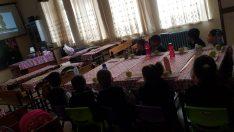 Şuhut'ta minik öğrenciler ilk kez sinema izlemenin tadını çıkardı