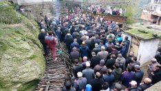 Trafik kazasında hayatını kaybeden Güllü Hafız'ı son yolculuğuna uğurlandı