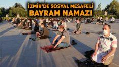 İzmir'de Covid-19 tedbirleri ile bayram namazı kılındı