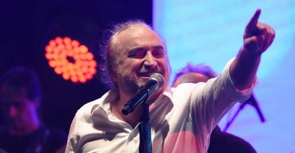 "Volkan Konak'tan itiraf: ""Beni müzik piyasasına Orhan Gencebay soktu"""